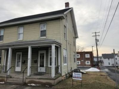 1 Bed 1 Bath Plus Office Duplex Located In Central Dauphin School District