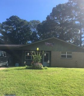3 Bedroom 1 1/2 Bath In New Llano only $850 Close to Ft Polk!!!