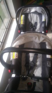 TWO Graco SnugRide 30 Carseats/Bases