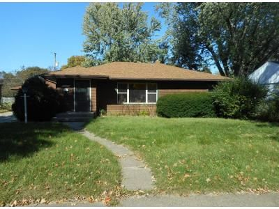 3 Bed 1 Bath Preforeclosure Property in Rockford, IL 61103 - Sharon Ave