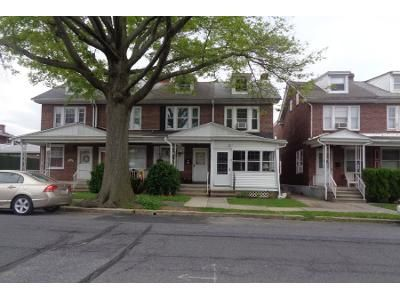 3 Bed 1 Bath Preforeclosure Property in Reading, PA 19611 - Summit Ave