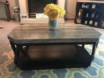 Set of 4 black and grey living room tables. Amazing deal for beautiful set. Percent condition