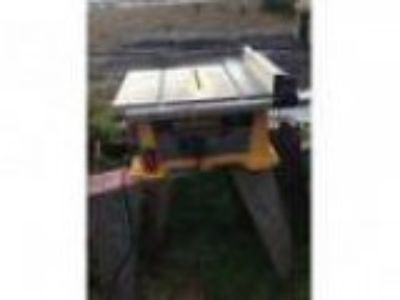 Dewalt DW Portable quot Table Saw in Great Shape (Lynnwoo
