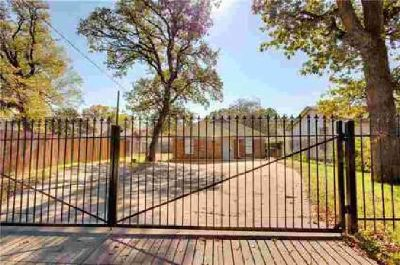 4422 Hampshire Boulevard Fort Worth, What a cute house with