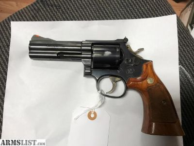 For Sale: Smith and Wesson model 586