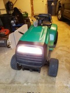 Weed Eater Lawn Tractor (no mower deck)