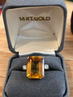 Spectacular 14k Gold Citrine ring