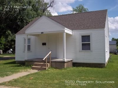 2BD/1BA  pet friendly house.