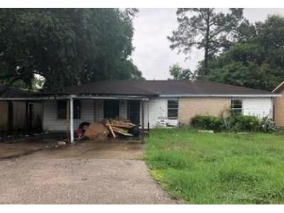 3 Bed 1.5 Bath Foreclosure Property in Beaumont, TX 77707 - Smelker St