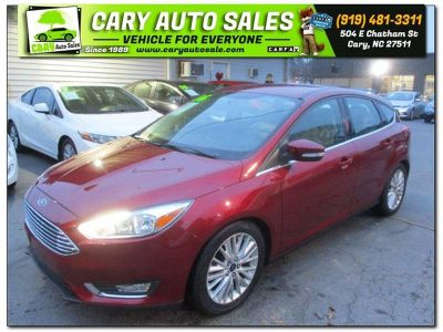 2016 Ford Focus Titanium (RED)