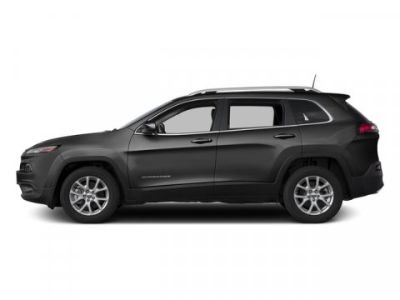 2016 Jeep Cherokee Latitude (Brilliant Black Crystal Pearlcoat)