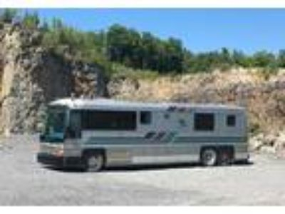 1987 MCI 104-Motor-Home Bus Conversion in Willsboro, NY