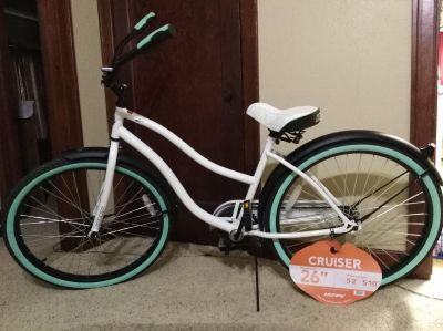 26 INCH WOMAN'S BICYCLE INCLUDES 2 MIRRORS & A WIRELESS SOLAR POWERED BIKE COMPUTER ALL FOR $ 75.00