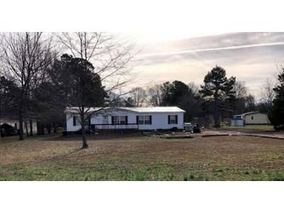 3 Bed 2 Bath Foreclosure Property in Statham, GA 30666 - Akins Rd
