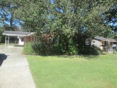 4 Bed 3 Bath Foreclosure Property in Baton Rouge, LA 70815 - Red Oak Dr