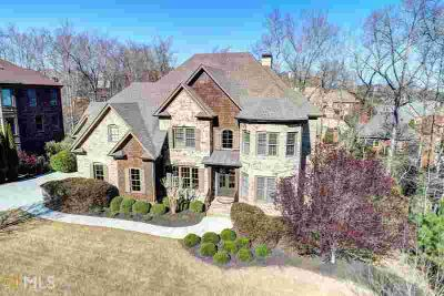 4867 Basingstoke Dr Suwanee Five BR, CUSTOM home on cul-de-sac