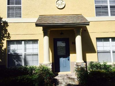 3 bedroom 2.5 bath townhouse for rent
