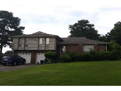 4 Bed 2.0 Bath Foreclosure Property in Fairfield, AL 35064 - Beacon Dr