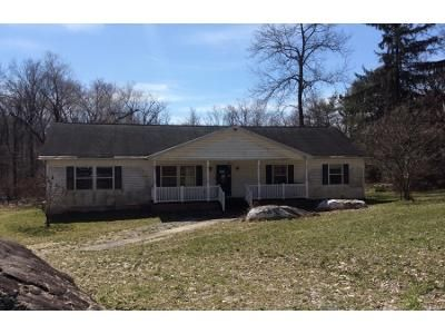 3 Bed 2 Bath Preforeclosure Property in Elizabethtown, PA 17022 - Turnpike Rd