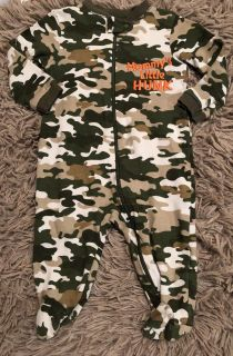 3-6 Months footed onesie. Smoke/Pet free home. New! Never worn. No stains or holes! Pick up in LJ.