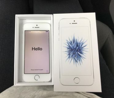 iPhone SE with 7 covers
