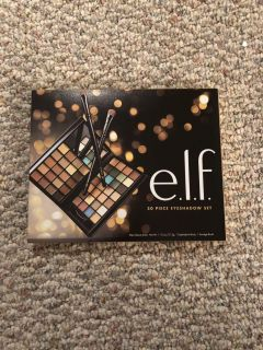 ELF 30 piece eye shadow set with brushes