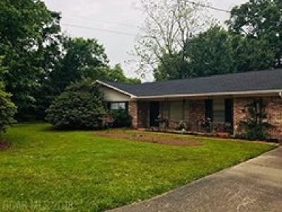 Double Corner Lot Home in Tanglewood - Fairhope, AL!