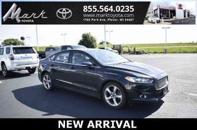 2014 Ford Fusion SE w/Bluetooth, Alloy Wheels & Power Package