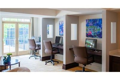 1 bedroom Apartment - Set in the heart of the new Village of Leesburg.