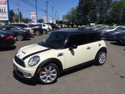 2009 MINI Cooper S (Pepper White)