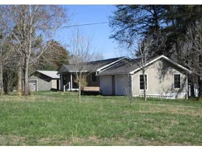 3 Bed 1 Bath Foreclosure Property in Cookeville, TN 38501 - Ballard Ln