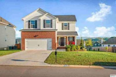 2835 Southwinds Cir Sevierville Three BR, Like new home (built in