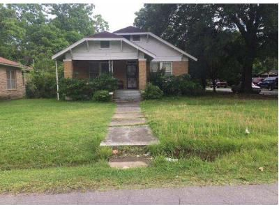 3 Bed 2 Bath Foreclosure Property in Pine Bluff, AR 71601 - W 26th Ave