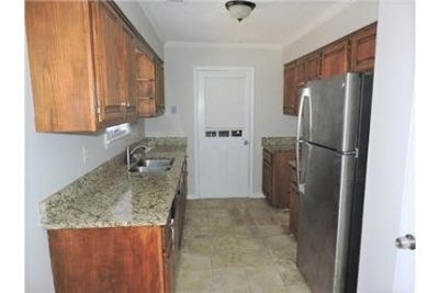 Charming 3 bedroom, 2.50 bath. Washer/Dryer Hookups!