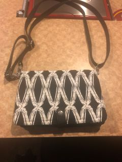 Super cute 31 gift purse. Lots of pockets. Lots of storage