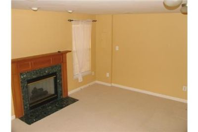 Spacious 3 bedroom, 2.50 bath. Single Car Garage!