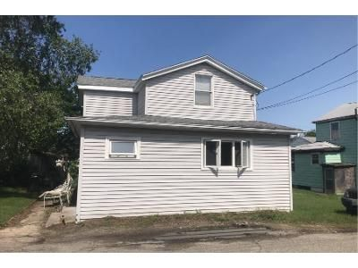 3 Bed 1 Bath Preforeclosure Property in Portsmouth, RI 02871 - Gormley Ave