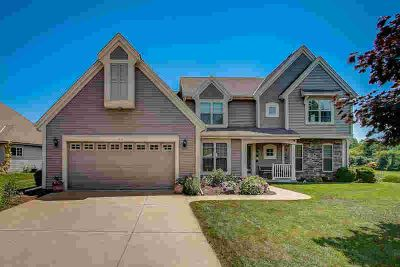 7970 S 43rd St Franklin Three BR, A perfect blend of