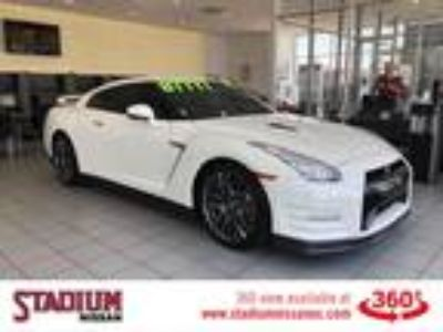 Used 2016 Nissan GT-R Pearl White, 11.8K miles