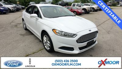 2016 Ford Fusion SE (Oxford White)