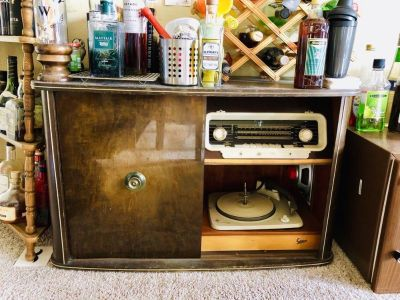 Antique Vinyl Cabinet with Bar Cave