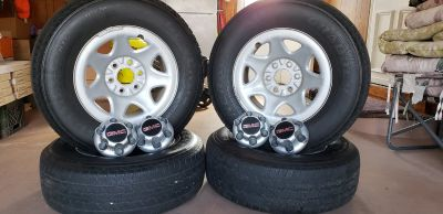 Complete tire and wheel set