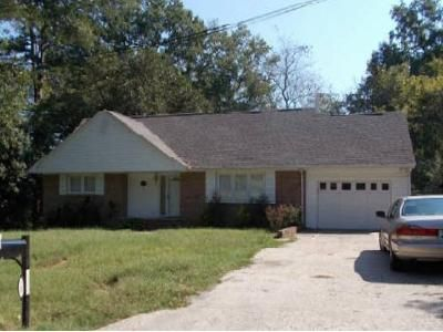 3 Bed 2.5 Bath Foreclosure Property in Spencer, NC 28159 - 1st St
