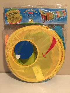 Brand New Never Used Melissa & Doug Sunny Patch Giddy Buggy Tunnel