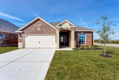 $899, 3br, $0 Down and 1st Month is FREE Beautiful  New 3bed2bath Home