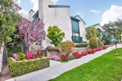 For Sale: 2 Bed + Bonus Room 3 Bath condo in Studio City for $715,000