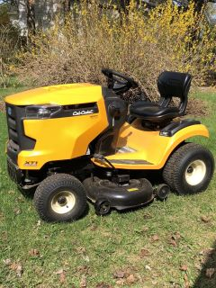 Cub Cadet 42 lawn tractor - practically new