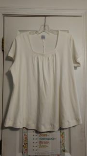 EUC, top by Only Necessities. Size 1X. Asking $3.00