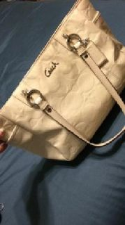 I am selling 4 of my purses