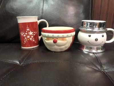 2 Christmas cups and a bowl